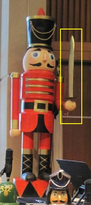 Hot to construct 9 foot nutacracker for christmas yard decoration nutcracker solutioingenieria